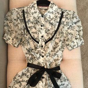 Guess brand silk short sleeved blouse